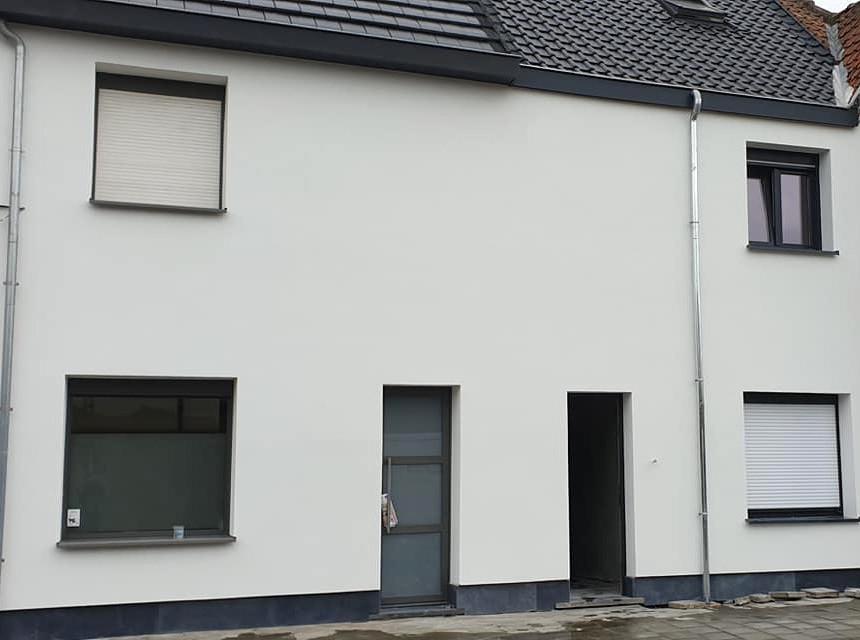 renovatie van gevel met crepi en isolatie in Dendermonde - na