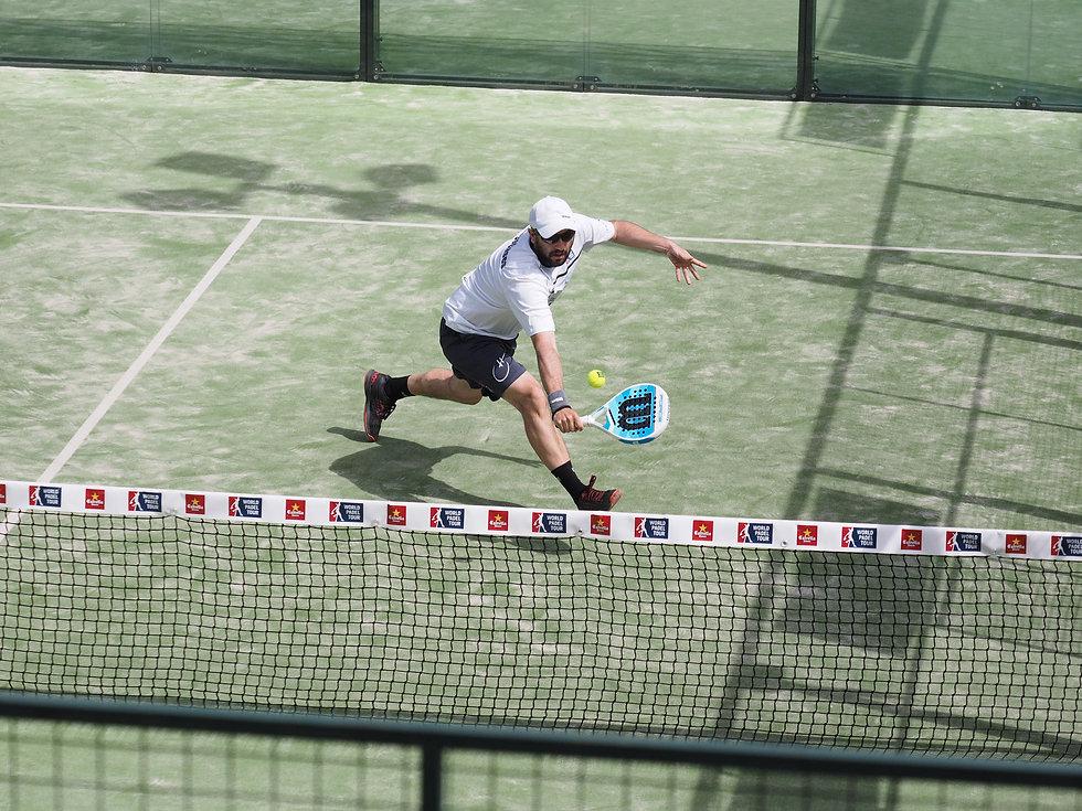Hugo Cases padel coach volley
