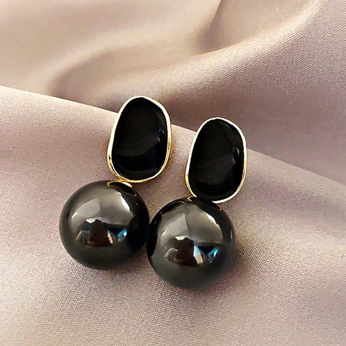 Exquisite Black Pearl Pendant Earrings
