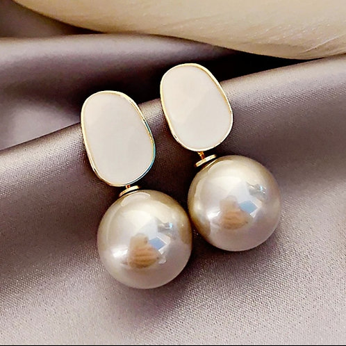 Exquisite Grey Pearl Pendant Earrings