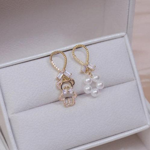 14k Cute Tiny Bear Asymmetry Pearl Crystal Earrings