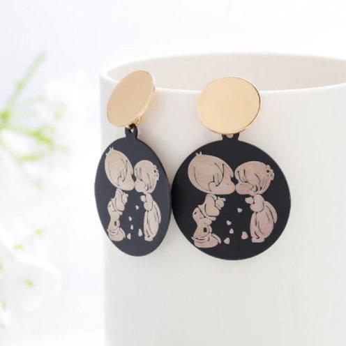 Trendy Style Golden Black Earrings -Cute Couple