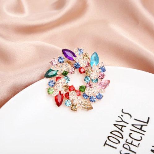 Elegant Brooch -JewelsBliss