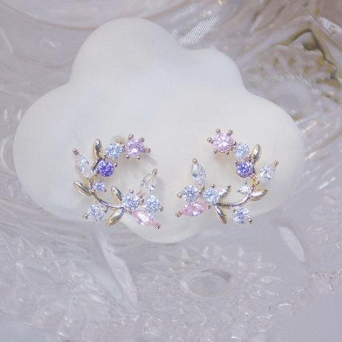 Exquisite Flower Pendant Earrings