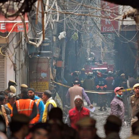 Incêndio em Fábrica na Índia Deixa mais de 40 mortos
