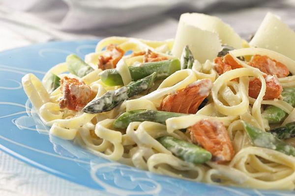 salmon-asparagus-alfredo.jpg