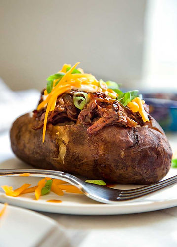 Slow-Cooker-BBQ-Beef-Stuffed-Potatoes1.j
