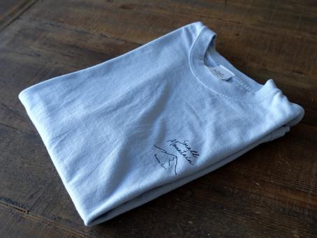ライトグレーの色にこだわった 後染め Tシャツ