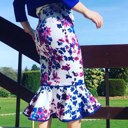 So happy to squeeze into my Great British Sewing Bee Garment of the Week! 😊 Just love this skirt #h