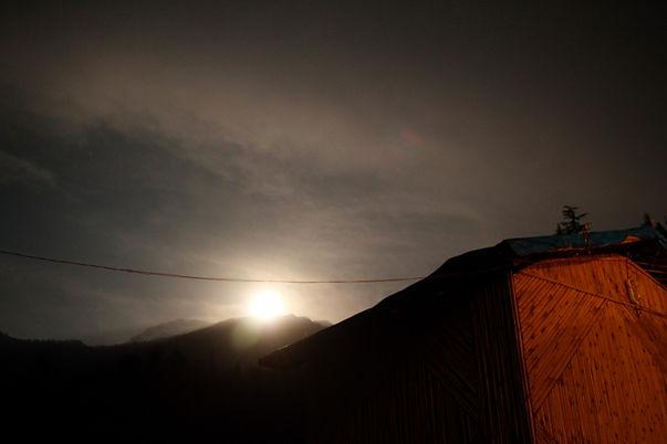 himalaya moon light