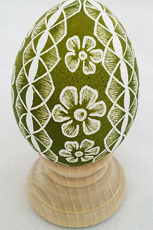 Quadrant Lace and Floral Egg