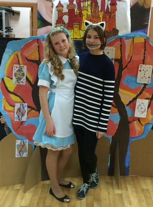"""""""Yellow Submarine"""" Alice in the Wonderland"""
