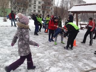 Праздник двора для жителей района «Зимние забавы»
