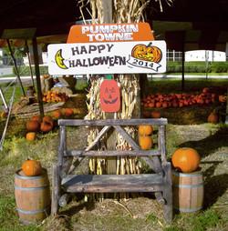 Pumpkin Towne Bench Photo Op