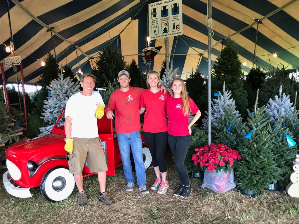 lucas family at tree towne