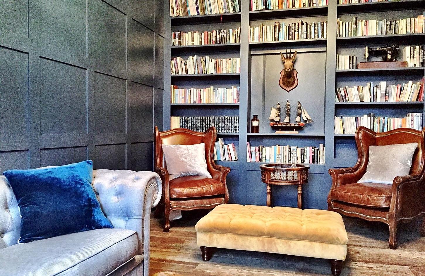 Maison_Library.jpg