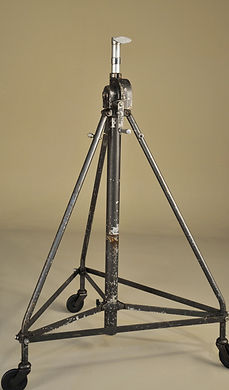 Period Late Heavy Collapsible Stand