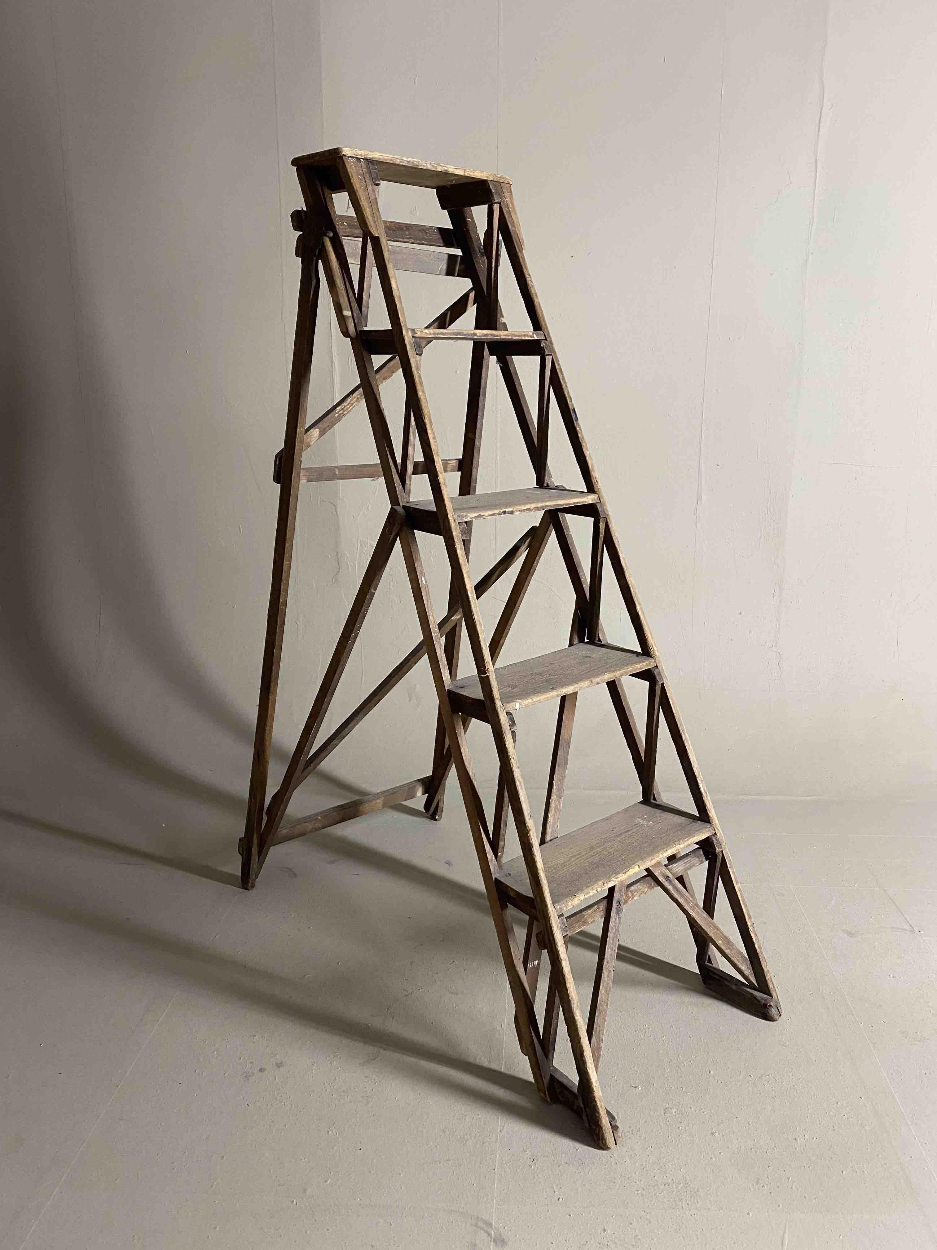 Stepladder wooden