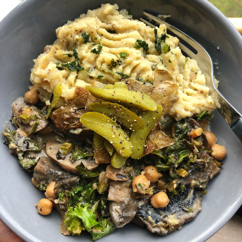 The *easiest* Mushroom Stroganoff