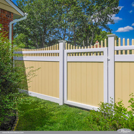yellow-and-white-pvc-vinyl-fence-from-il