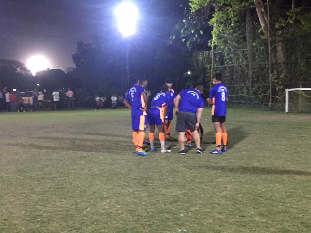 IAF FC in duscussion before the start of the game