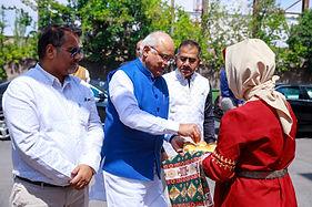 Dr Vinay Sahasrabuddhe welcome according to Armeian traditions