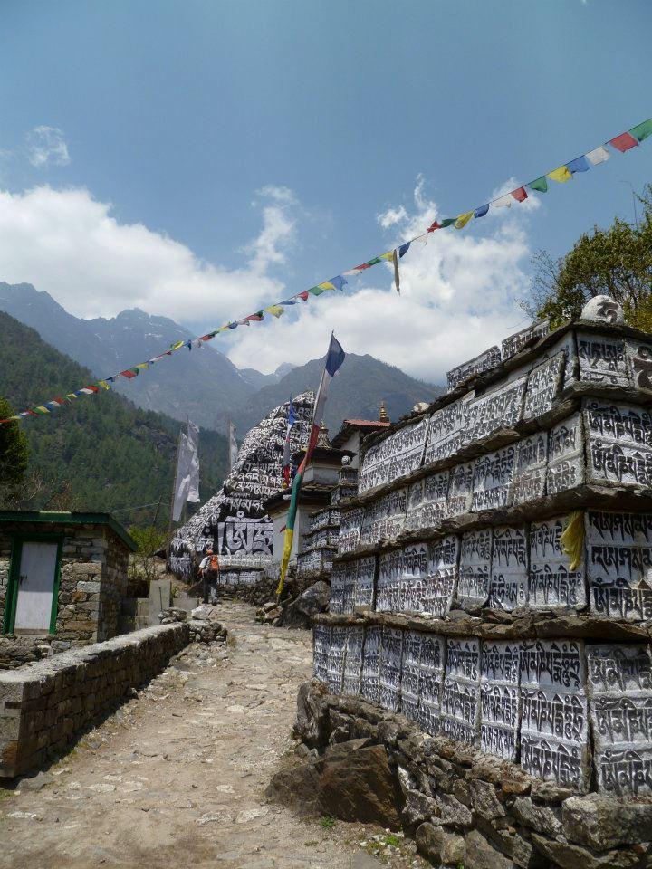 Mani stones, Lower Solu Khumbu