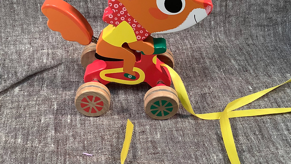 GU Little Fox pull toy