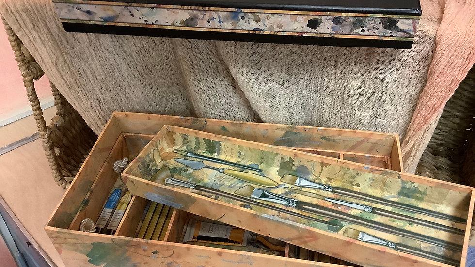 Art supply carry box