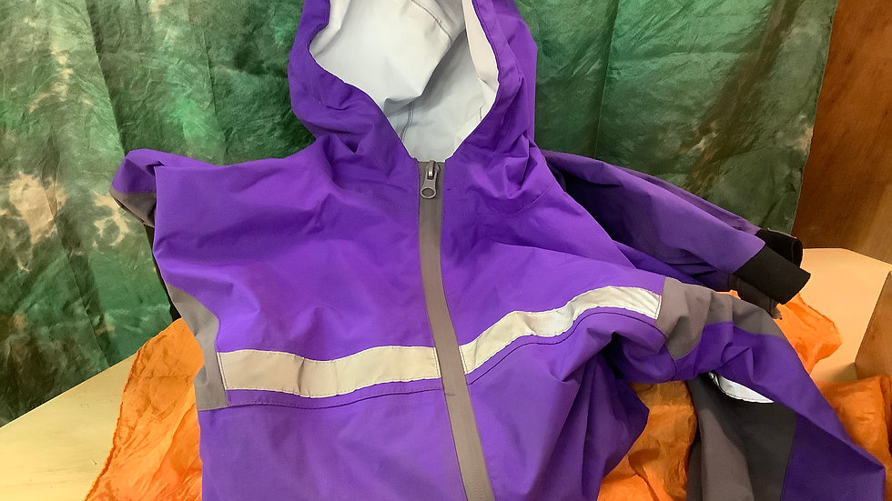 Gently Used Oaki trail suit size 8