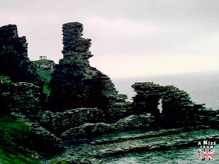 Tintagel - Que faire dans les Cornouailles en Angleterre ? Visiter les plus beaux endroits à voir absolument dans les Cornouailles avec notre guide complet.