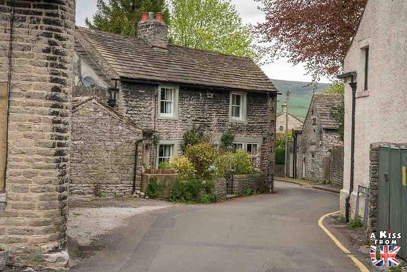 Castleton - A faire et à voir absolument dans le Peak District en Angleterre. Visiter les plus beaux endroits du Peak District avec notre guide complet. A Kiss From UK, le blog du voyage en Angleterre.