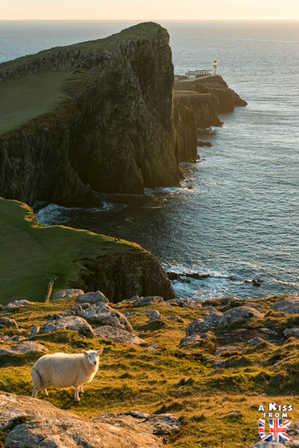 Neist Point - Visiter l'île de Skye en 4 Jours. A voir et à faire. Lieux à voir et itinéraire de Roadtrip en Ecosse sur l'île de Skye - A Kiss from UK le guide et  blog voyage Ecosse, Angleterre et Pays de Galles