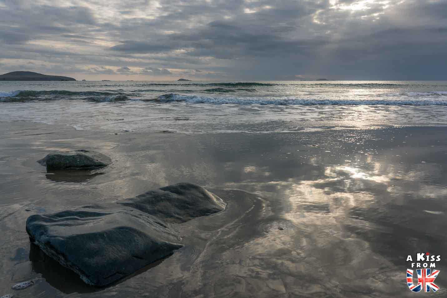 Whitesands Bay - Que voir dans le Pembrokeshire au Pays de Galles ? Visiter le Pembrokeshire avec A Kiss from UK, guide & blog voyage sur l'Ecosse, l'Angleterre et le Pays de Galles.