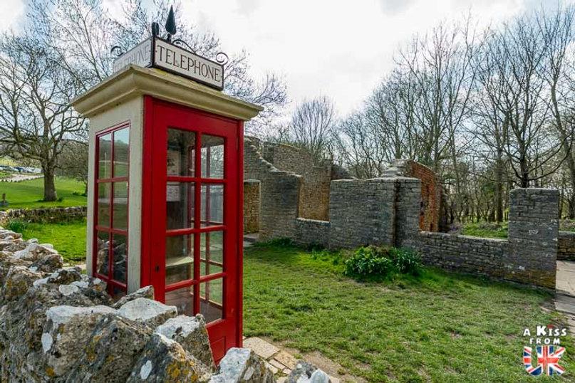 Tyneham dans le Dorset - Les lieux à voir absolument en Angleterre en dehors de Londres. Découvrez quels sont les plus beaux endroits d'Angleterre et les incontournables à visiter en dehors de Londres lors de votre voyage - A Kiss from UK, le blog du voyage en Grande-Bretagne.