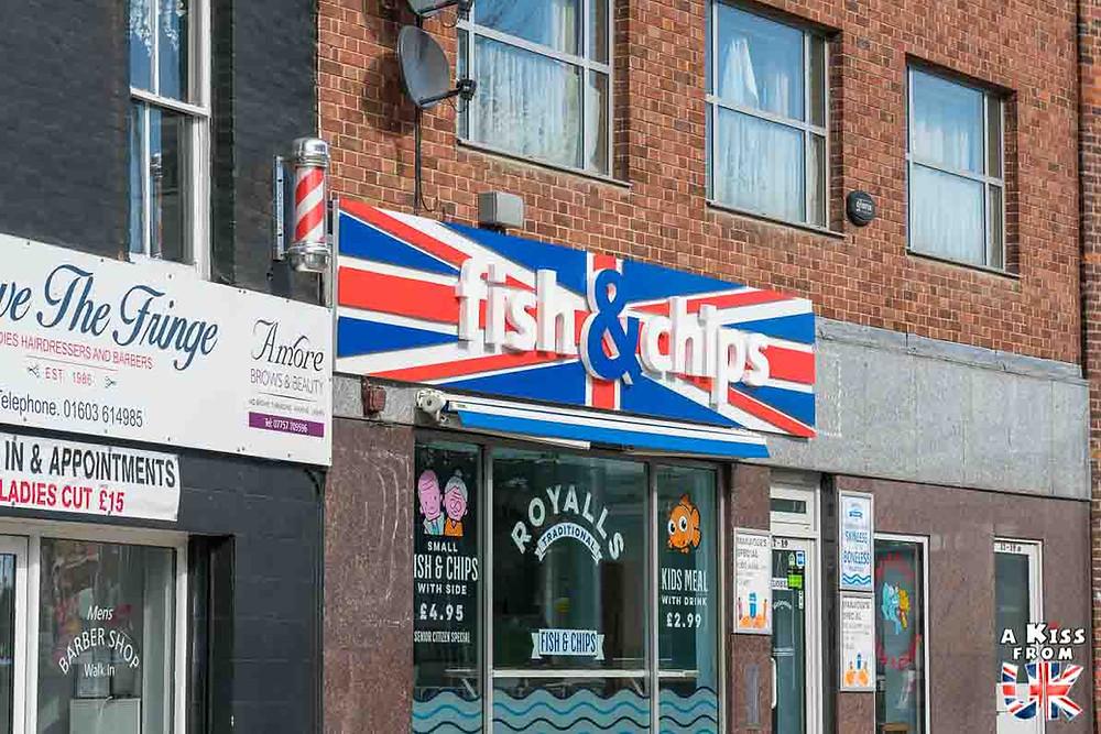 Le Fish and Chips - Découvrez l'histoire, les origines  et la recette du Fish and Chips, le plat emblématique de la cuisine britannique avec A Kiss from UK, le guide du voyage en Grande-Bretagne.