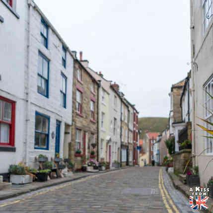 Staithes - Que voir dans les North York Moors en Angleterre ? Visiter les North York Moors avec A Kiss from UK, le guide & blog du voyage en Ecosse, Angleterre et Pays de Galles