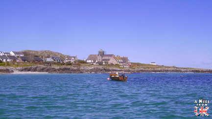 Visiter l'île de Iona en Ecosse - A voir et à faire sur les îles de Mull, Iona et Staffa en Ecosse ? Visiter Oban et les îles de Mull, Iona et Staffa avec A Kiss from UK, le blog du voyage en Ecosse.