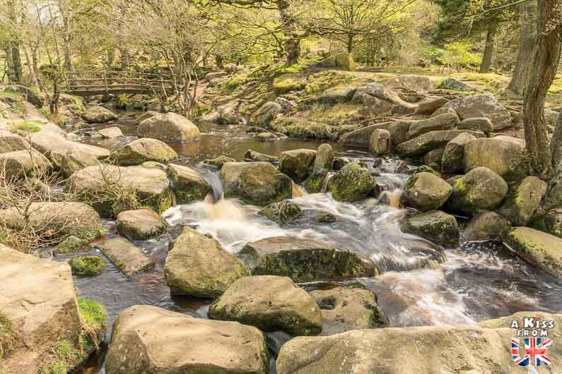 Visiter le Chaos du Gouët dans les Côtes d'Armor et se croire à Padley Gorge dans le Peak District en Angleterre | Visiter la Bretagne pour retrouver les paysages de Grande-Bretagne  | A Kiss fom UK