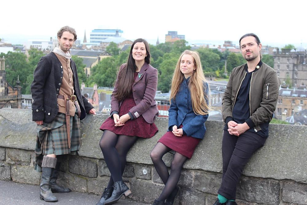 Visite intéractive de l'Ecosse depuis chez soi avec Edimbourg à Emporter - découvrez tous les guides français à Edimbourg ainsi que les professionnels du tourisme francophones et indépendants en Ecosse. | A Kiss from UK