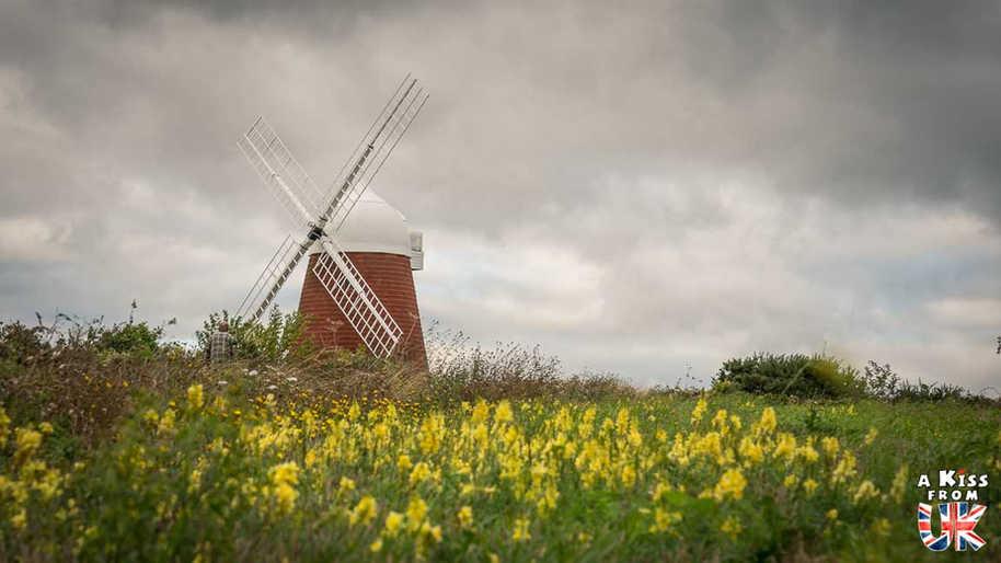 Halnaker Windmill - Que voir absolument dans le Sussex en Angleterre ? Visiter le Sussex  et ses plus beaux endroits avec A Kiss from UK, le guide et blog du voyage en Ecosse, Angleterre et Pays de Galles.
