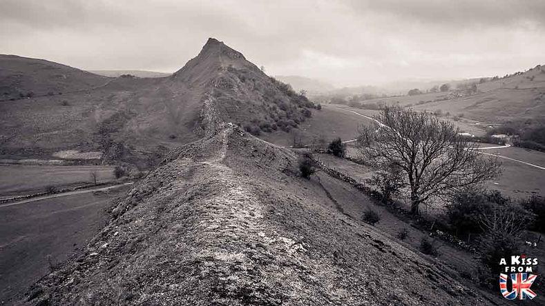 Chrome Hill dans le Peak District - Découvrez les plus beaux paysages d'Angleterre avec notre guide voyage qui vous emménera visiter les plus beaux endroits d'Angleterre.