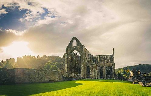 Les plus belles ruines de Grande-Bretagne. Découvrez le meilleur de la Grande-Bretagne avec A Kiss from UK.