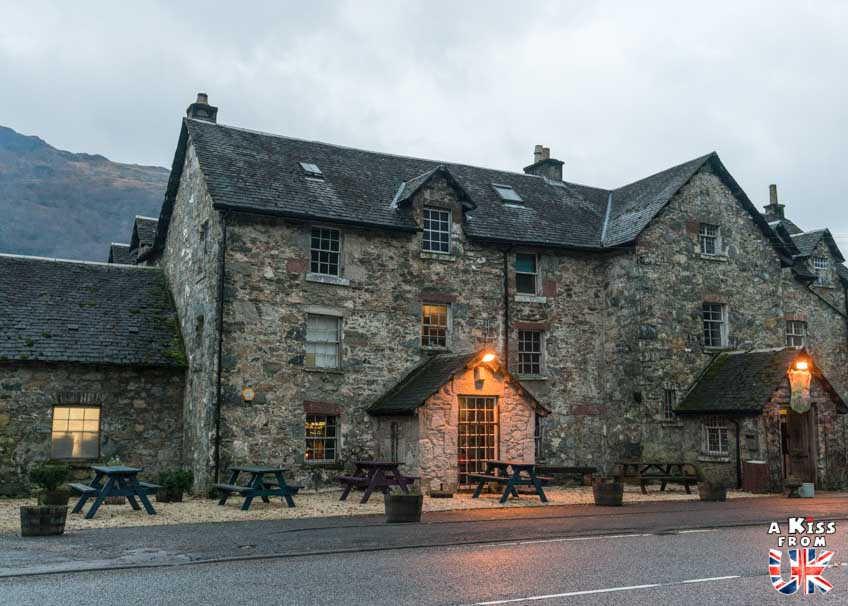The Drovers Inn, le pub hôtel le plus hanté d'Ecosse - A voir et à faire dans le Loch Lomond et les Trossachs en Ecosse. Visiter le Parc National du Loch Lomond et des Trossachs avec notre guide complet sur cette région écossaise.
