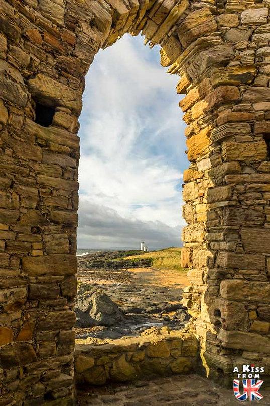 Elie Ness Lighthouse - 50 endroits à voir absolument en Ecosse – Découvrez les lieux incontournables en Ecosse et les plus beaux endroits d'Ecosse à visiter pendant votre voyage | A Kiss from UK