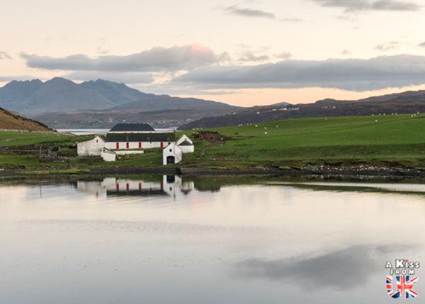 Quand partir sur l'île de Skye ? Visiter l'île de Skye en Ecosse. Découvrez les endroits à voir absolument sur l'île de Skye pendant votre voyage et tous les plus beaux lieux de cette splendide île écossaise avec A Kiss from UK, le guid et blog du voyage en Ecosse.