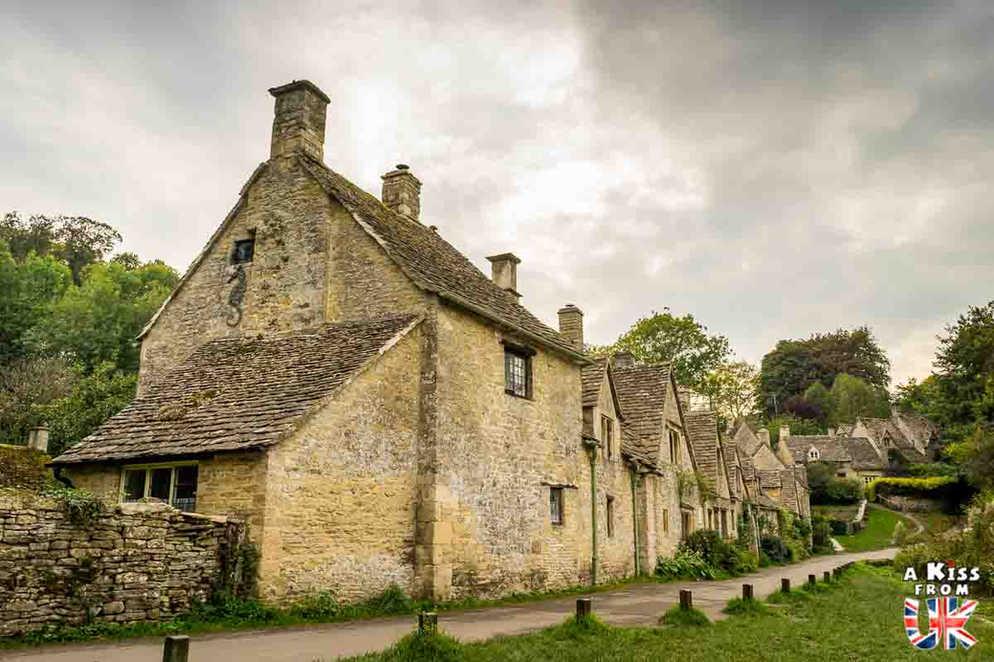 Bibury - Que faire dans les Cotswolds en Angleterre ? Visiter les plus beaux endroits à voir absolument dans les Cotswolds avec notre guide voyage.