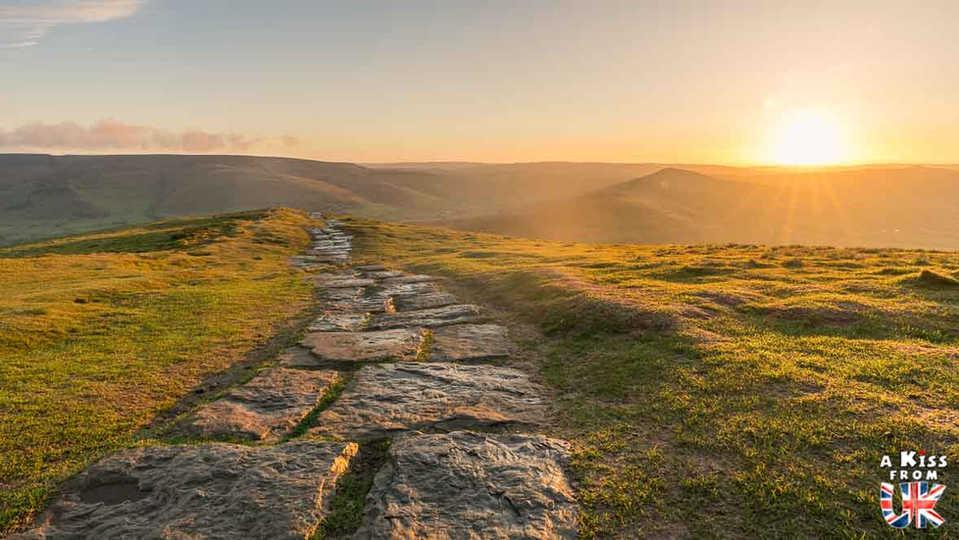 Mam Tor - A faire et à voir dans le Peak District en Angleterre. Visiter les plus beaux endroits du Peak District avec notre guide complet.