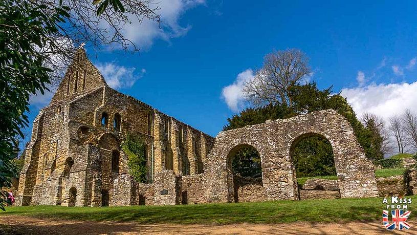 Battle Abbey dans le Sussex en Angleterre - Les plus belles ruines de Grande-Bretagne. Découvrez quels sont les plus beaux lieux abandonnés d'Angleterre, d'Ecosse et du Pays de Galles avec A Kiss from UK.