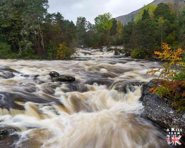 Killin et les Falls of Dochart - A voir absolument et à faire dans le Loch Lomond et les Trossachs en Ecosse - Visiter le Parc National du Loch Lomond et des Trossachs avec notre guide complet sur cette région écossaise